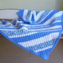 Baby_blanket_Blue_and_White__26888.1419913893.386.513